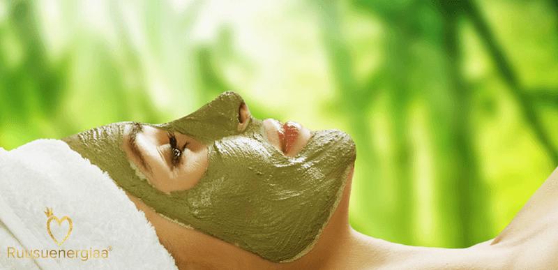 Kasvonaamio – hehkua ihollesi ja hyvästit harmaudelle